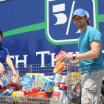 Ricky Stenhouse, Jr. and Roush Fenway team up with Fifth Third Bank to fight hunger in North Carolina